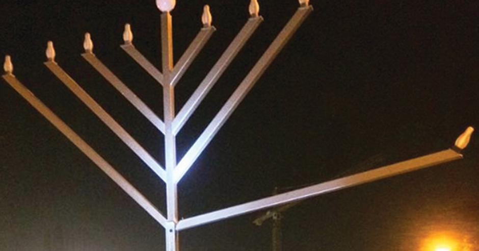 Vandals attempt to tear arm from menorah outside San Diego Jewish centre