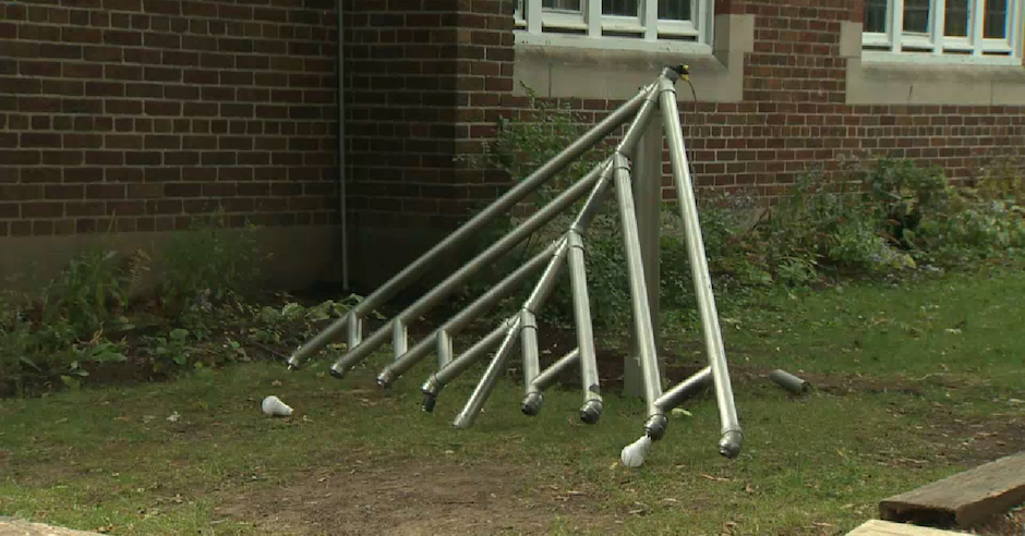 Menorah vandalised in outside Montreal synagogue