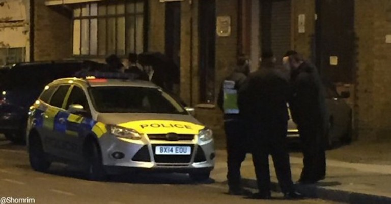 Shomrim rush to scene in London as man shouts death threats at Jewish boys