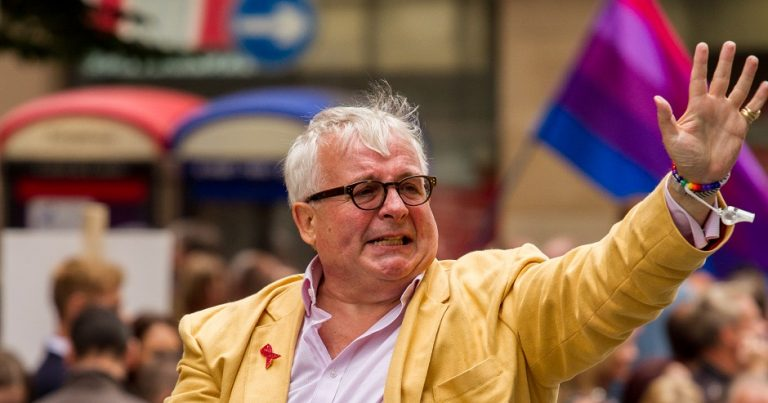 Christopher Biggins apologises for Holocaust 'joke'