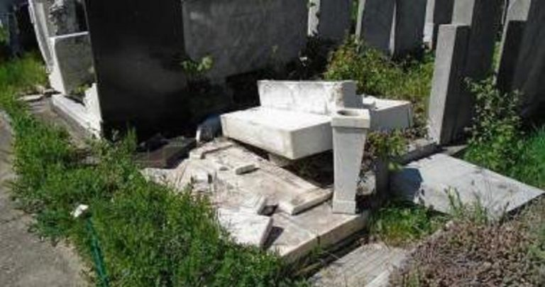 "10 Jewish gravestones smashed in Bucharest in ""premeditated act"" coinciding with Holocaust remembrance"