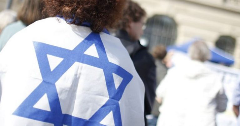 Anti-Zionist attempts to set pro-Israel campaigner on fire in Berlin