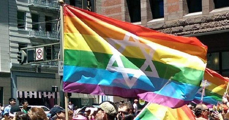 "Chicago LGBT March faces backlash for ejecting ""Zionist"" attendees with Star of David Pride flags"