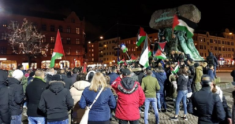 "Anti-Israel protesters in Austria chant ""slaughter the Jews"""