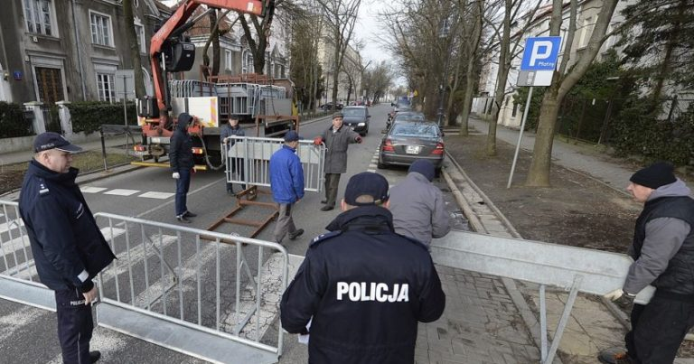 Israeli students targeted in attempted bombing in Poland