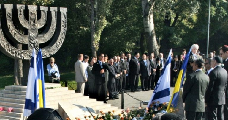 Antisemitic incidents in Ukraine double in a year, nationalists claim it is a Russian plot